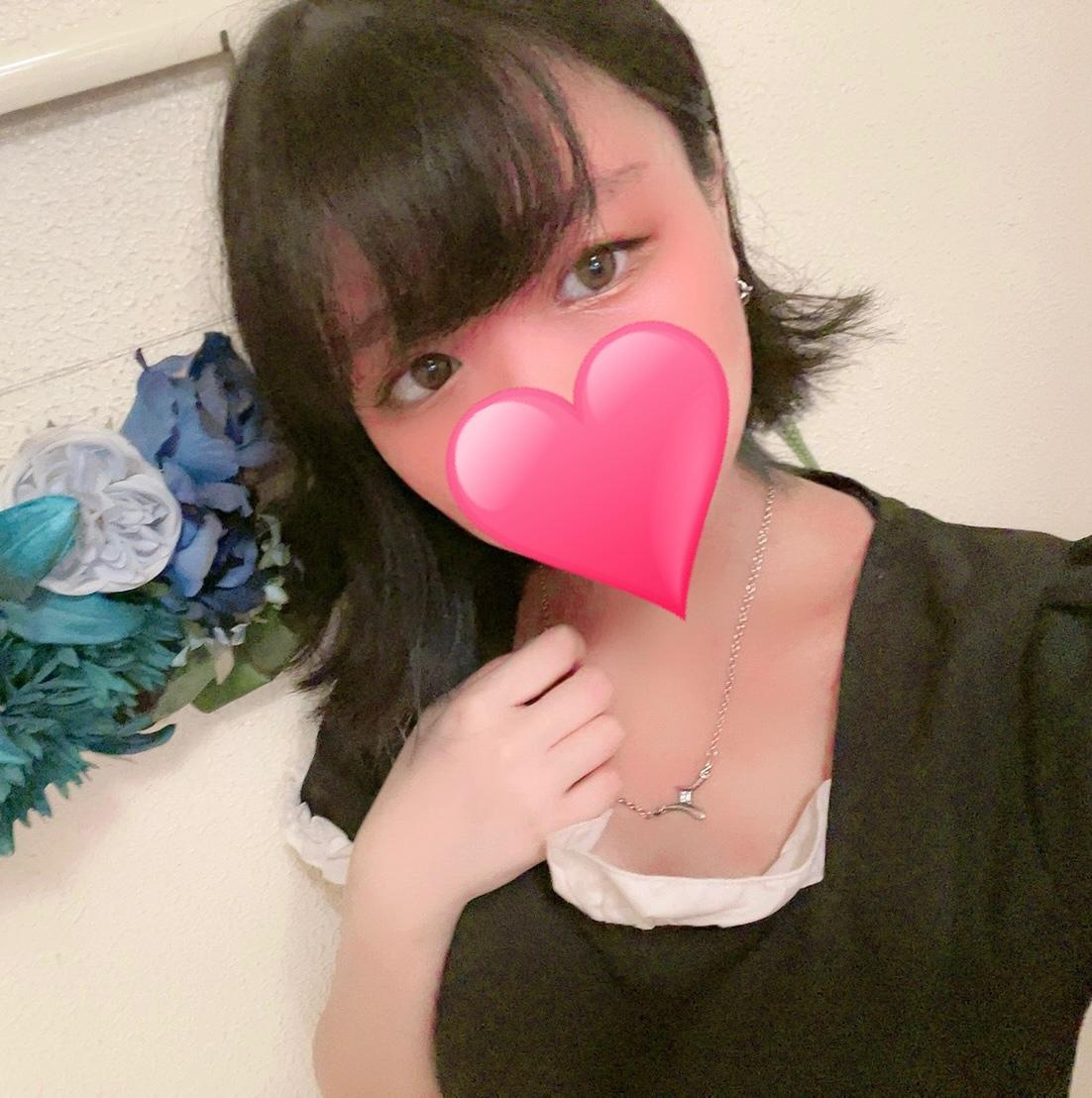 ニナ(19)