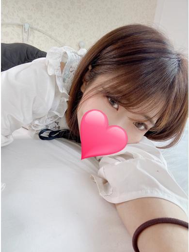 アイナ(22)