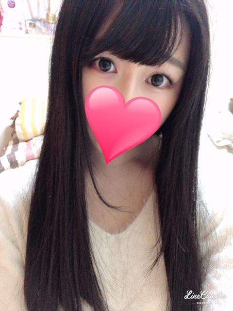 エミリ(22)