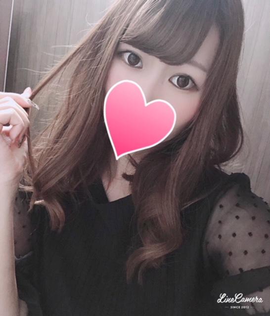 エミカ(22)
